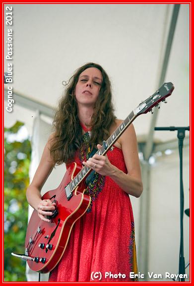 Cognac Blues Passions (FRA) 2012 - Tia - Photo Eric Van Royen