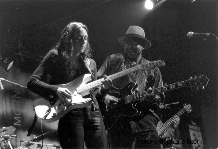 2001 - New Morning in Paris (FRA) with Larry Garner - Photo Stephane Biset