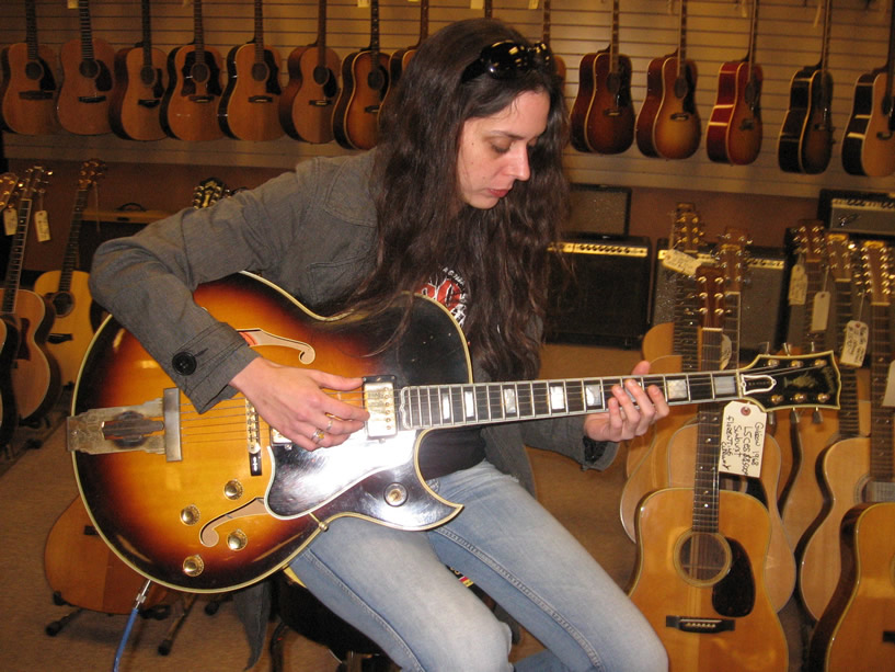 At Norman's Rare Guitars - LA (2009)